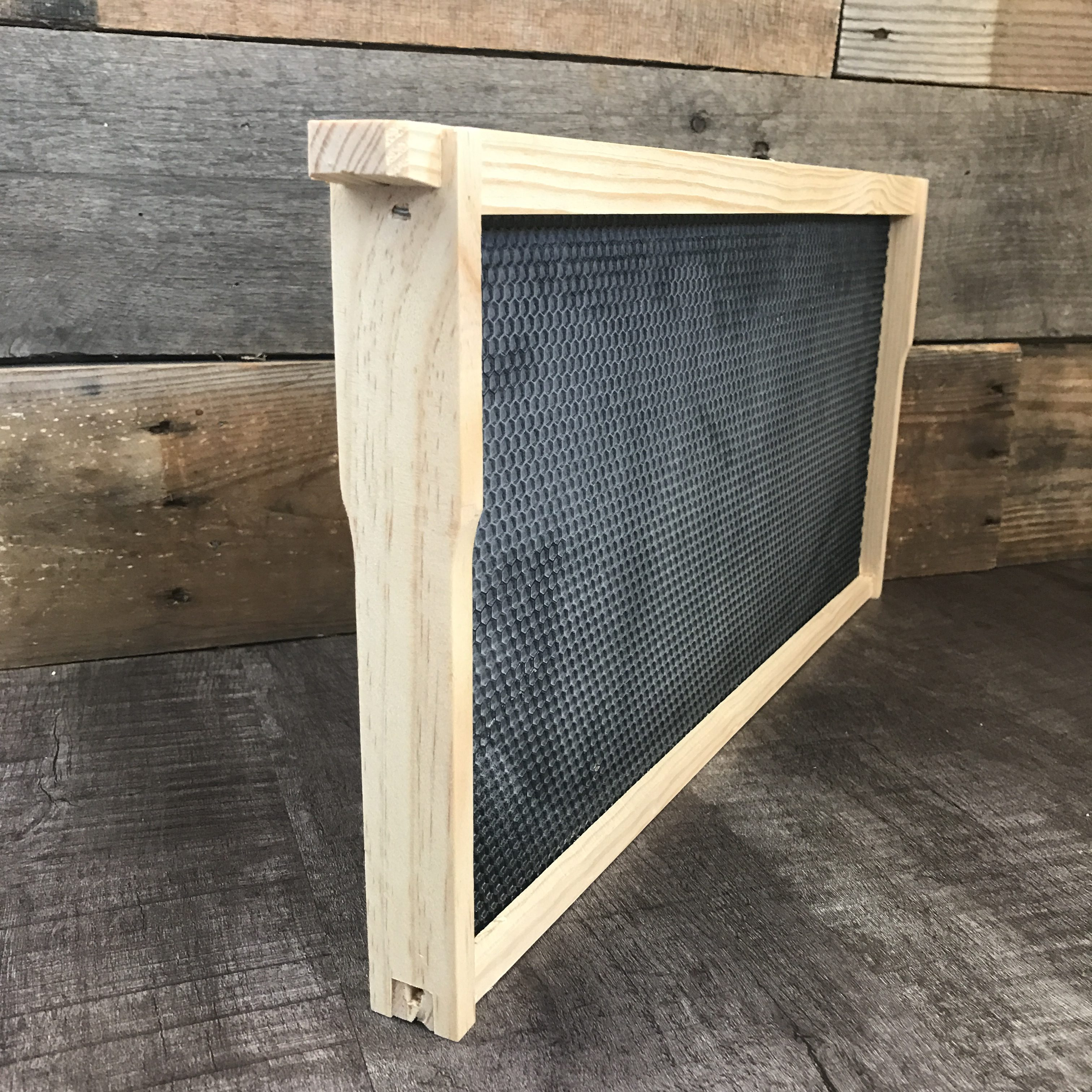 Assembled Wood Frames with Waxed Foundation - Bennett